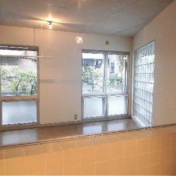 お風呂場の窓からはこんな景色