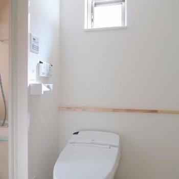 脱衣所にトイレ*写真は別室です