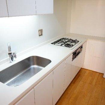 キッチンは3口でとってもゆったり!