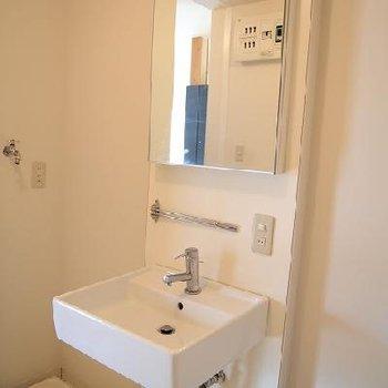 独立洗面台です!※写真は別室です