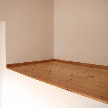 棚としても、物置としても利用できるスペース有り。※写真は別室です