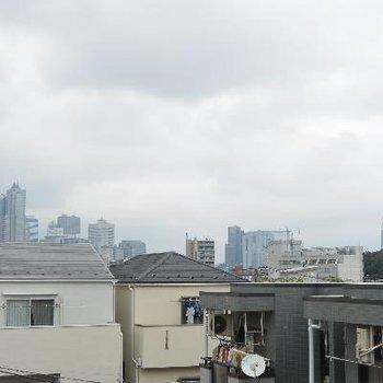 みてくださいこの曇天…新宿です!