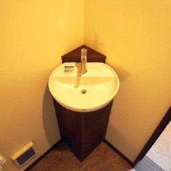 トイレにも付いてます!