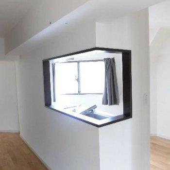 キッチンにも窓、ありますよ
