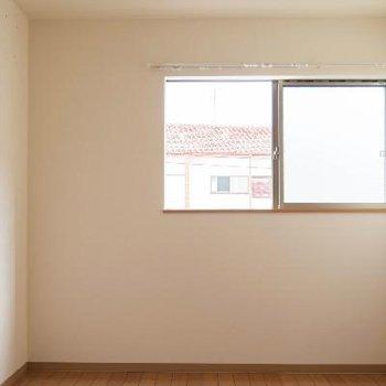 こんなお部屋が2階に二つあります