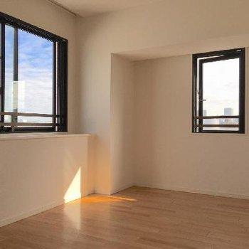 もう一部屋はこんな感じ。