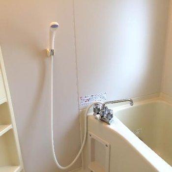 お風呂にも収納あるのは本当に便利