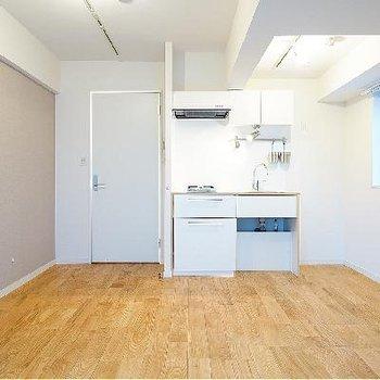 シンプルなお部屋で広く感じます!
