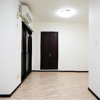 家具を置いたら、しっくりきそうな空間です!