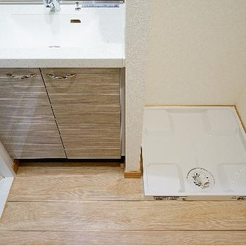 横に洗濯機で動線も◎