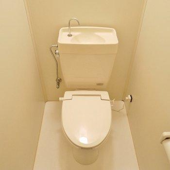 トイレはごくごく普通に。