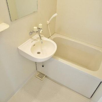 お風呂はわりと普通でした。
