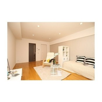 大きいな家具をおいてもゆとりのある空間※写真は別部屋