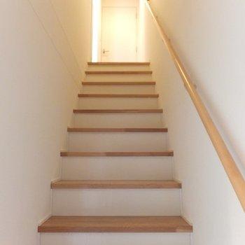 階段を登って2階へ。