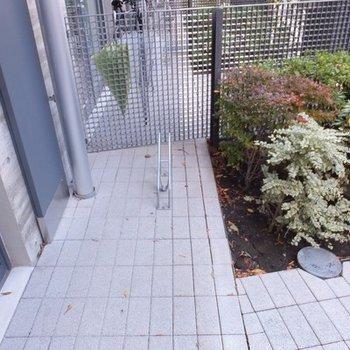 玄関前の専用駐輪スペース。