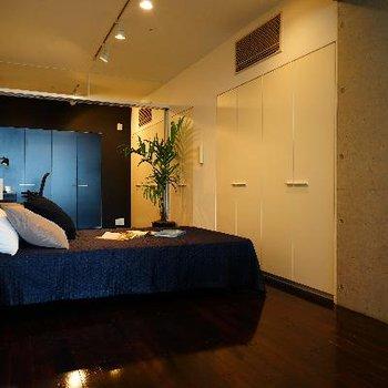 寝室も落ち着いた良い雰囲気!