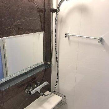 使いやすそうなお風呂※画像は1401号室ものです