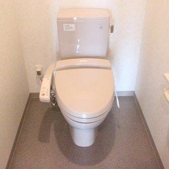 手洗い水栓が嬉しいですね