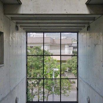 共有廊下からの眺め。