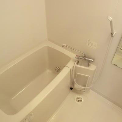 お風呂。追い焚きありますね。