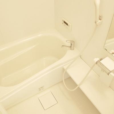 使いやすいバスルーム。