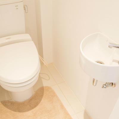 上階のトイレにも手洗い場