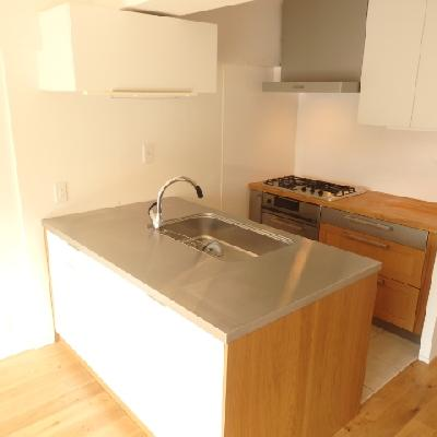 広いカウンターキッチンは、グリルや食器洗浄機もついています!!!
