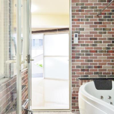 入り口が2か所あるお風呂です。
