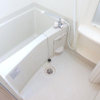 ちょうどいいサイズの浴室