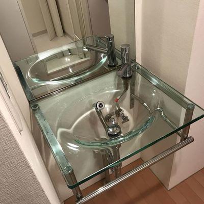 この綺麗な洗面台をみてください