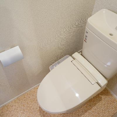 ウォシュレットつきのトイレ!