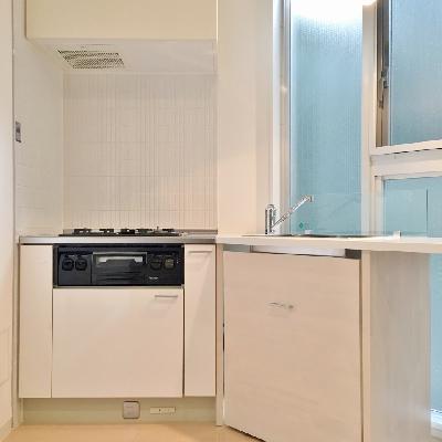キッチンは3口コンロ、魚焼きグリルつき!!