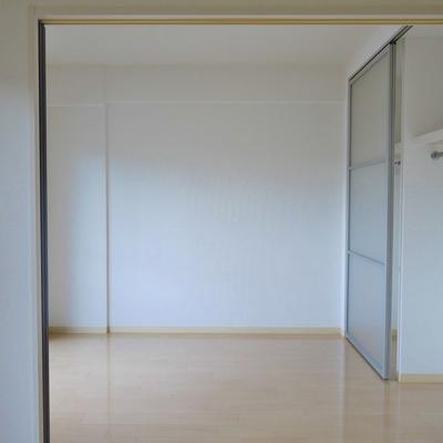 洋室の大きさはまずまず。