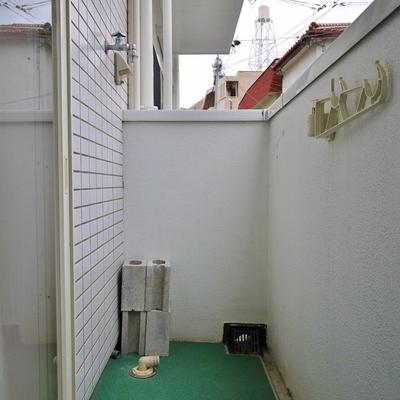 室外洗濯置き場です。
