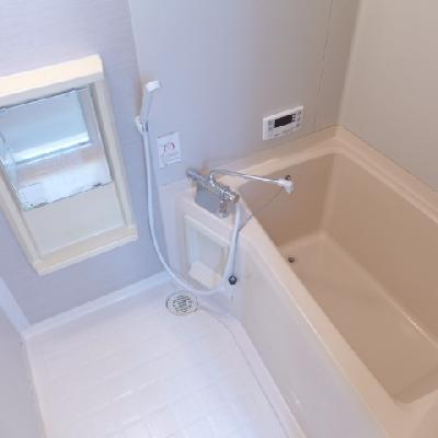 お風呂はコンパクト※別部屋※写真は別部屋
