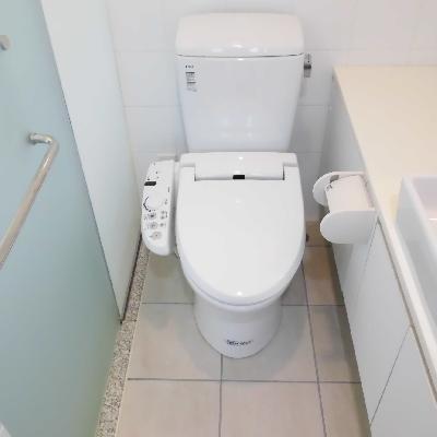 トイレはタイル張り