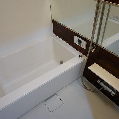 お風呂は追い焚きもついてます!