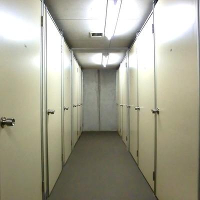 地下のトランクルームです!!無料!