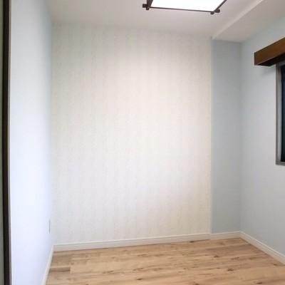 洋室3.3帖。サービスルームみたいです