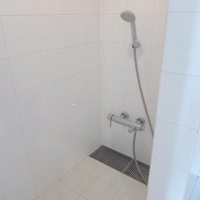 シャワールームのみです