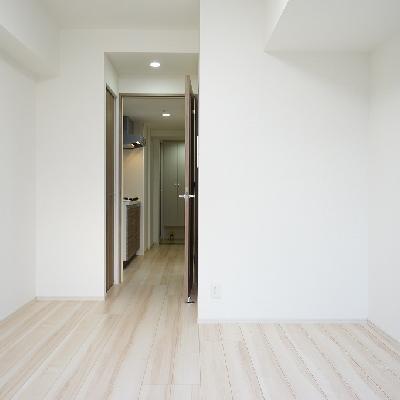 白を基調とした清潔なお部屋♪