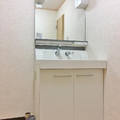 洗面台が立派!シャンプードレッサーです◎