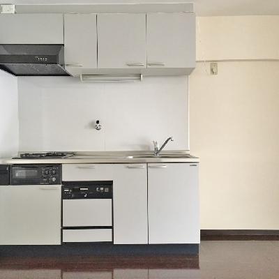 キッチン横のスペースも十分。