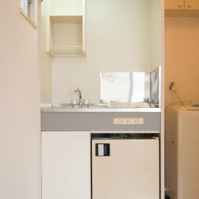 キッチン&冷蔵庫はとっても小さいです