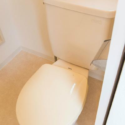 トイレと洗面台は同じ空間に