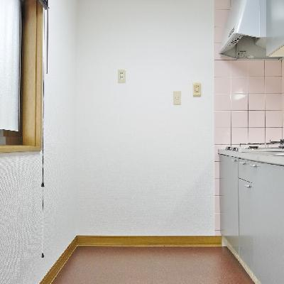 キッチンにも窓ありますよ♪