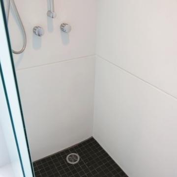 浴槽なし!シャワーブースのみ。
