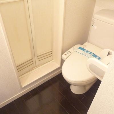ウォシュレットつきのトイレ