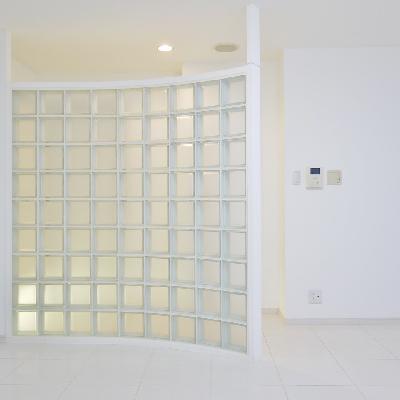 ガラスブロックが可愛いお部屋。