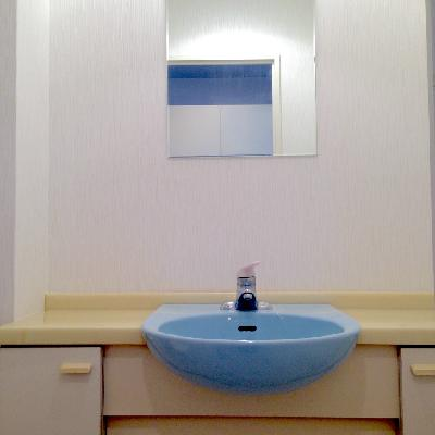 独立はしておりませんが、洗面台はありますよ